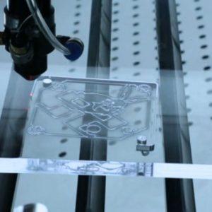 Découpe laser bois et acryliques